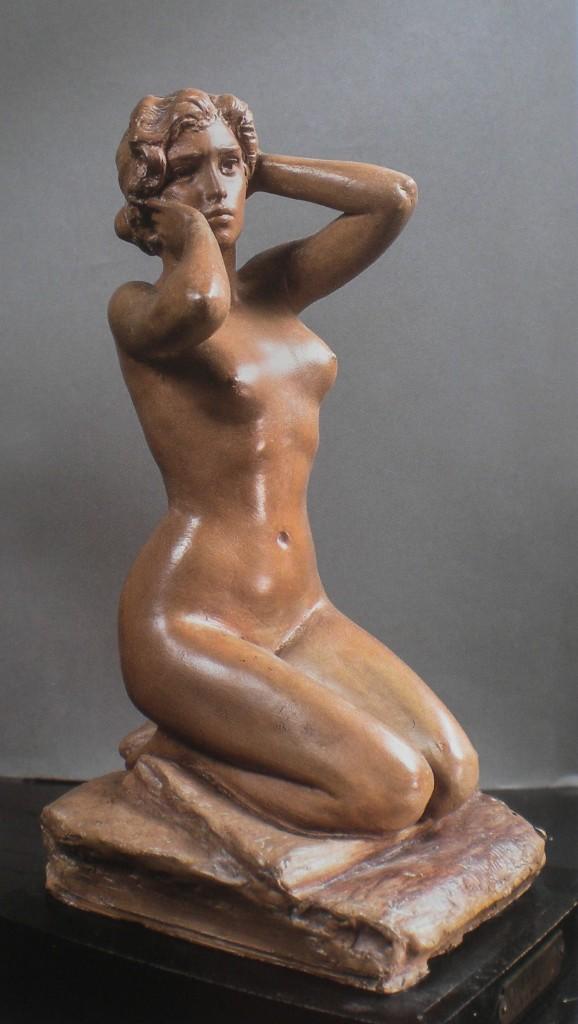 fig. 7 - Costantino Barbella - Risveglio - terracotta - firmata - 25 - 14 - 14 - Chieti museo Barbella