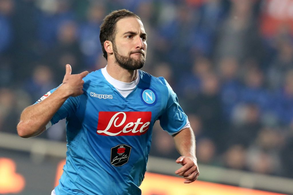 Foto LaPresse - Mauro Locatelli 20/12/2015 Bergamo ( Italia) Sport Calcio ATALANTA - NAPOLI Campionato di Calcio Serie A TIM 2015 2016 - Stadio ATLETI AZZURRI D'ITALIA Nella foto: esultanza higuain Photo LaPresse - Mauro Locatelli 20 December 2015 Bergamo ( Italy) Sport Soccer ATALANTA - NAPOLI Italian Football Championship League A TIM 2015 2016 - ATLETI AZZURRI D'ITALIA Stadium In the pic: higuain celebrates
