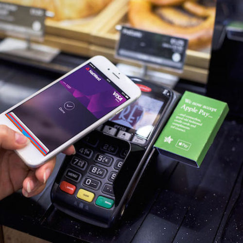 IL MONDO CAMBIA: FINALMENTE ARRIVA, IN ITALIA,  APPLE PAY