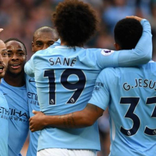 CHAMPIONS LEAGUE , EURO-RIVALE : IL MANCHESTER CITY TRAVOLTE LO STOKE CITY E VOLA IN TESTA ALLA CLASSIFICA DELLA PREMIER LEAGUE
